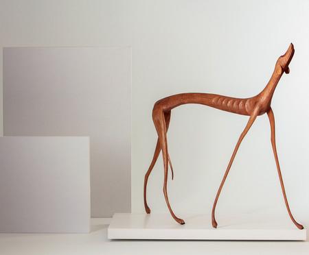 Escultura Cachorro Uivando - Marrom | WestwingNow