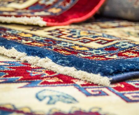 Tapete Turco Kasakh Mira - Vermelho, Creme e Azul | WestwingNow