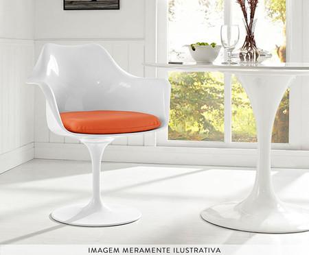 Cadeira com Braço Saarinen - Branca e Laranja | WestwingNow