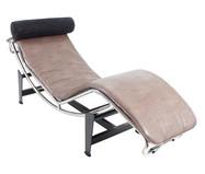 Chaiselongue em Couro Ecológico Le Corbusier - Cru | WestwingNow