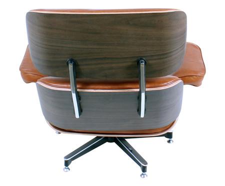Poltrona e Pufe em Couro Ecológico Charles Eames - Caramelo e Imbuia | WestwingNow