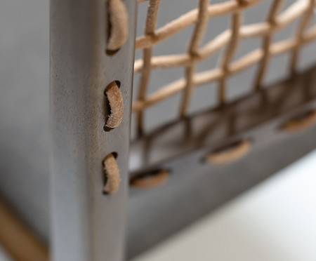 Cadeira Bell com Encosto em Couro - Marrom e Cinza | WestwingNow
